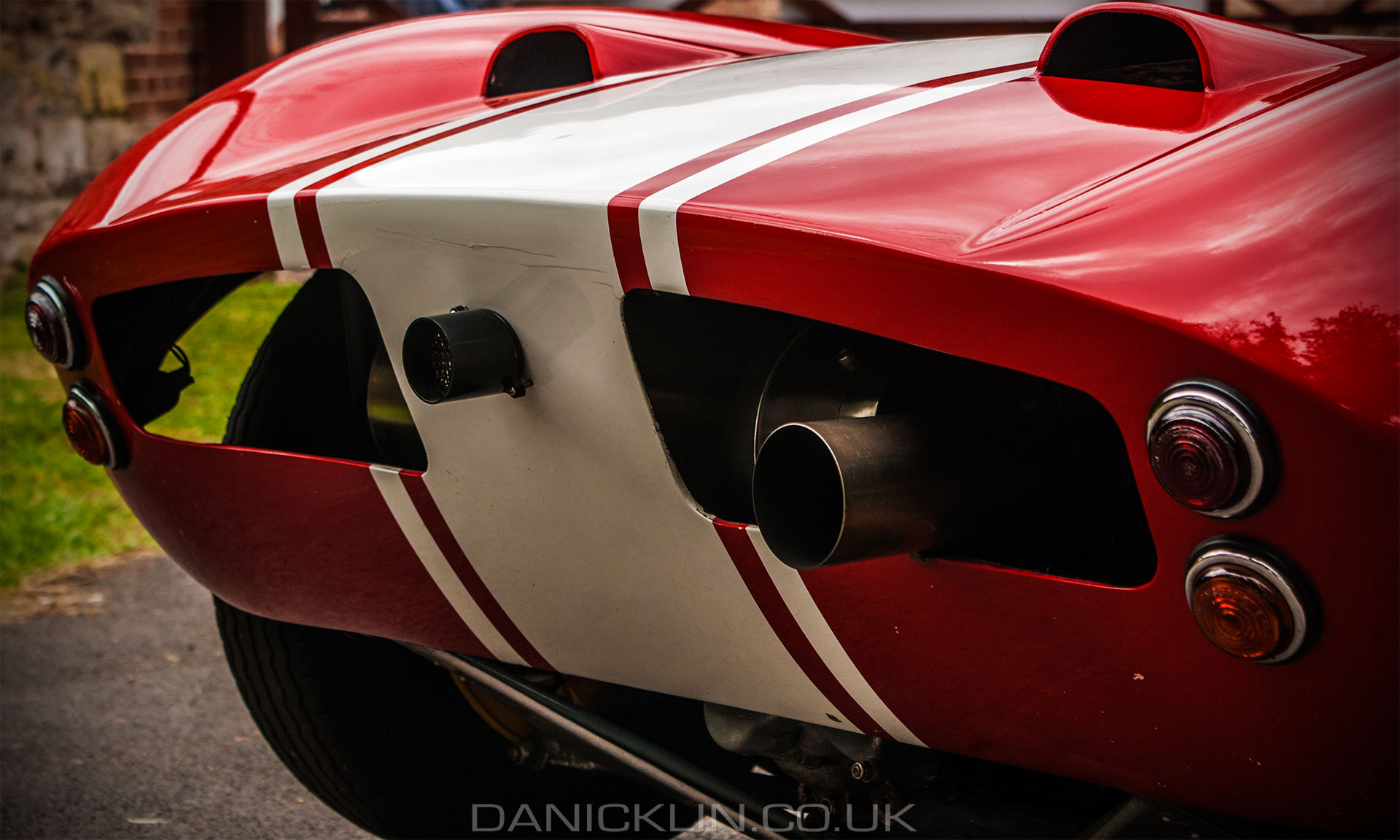 Rear end of a Elva mk7S