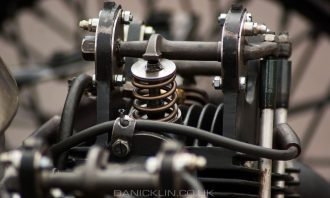 Exposed valve and spring with pushrod acted camshaft on the MG Aero 200 mile